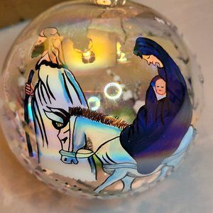 INSIDE ARTS HAND PAINTED GLASS BLOWN MOTHER & CHILD PASTORAL XMAS TREE ORNAMENT